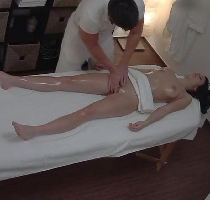 Amateurs - Czech Massage 311
