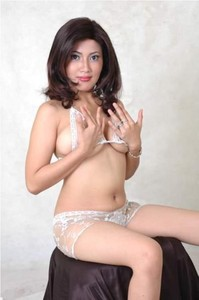 Iis Faradina - ExoticAzza Pt 1 Indo Bugil 002