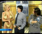 Sabrina Pettinato curvy showgirl in trikini