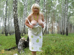 http://img27.imagetwist.com/th/14420/2veiop57d1us.jpg