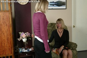 Jenna Misses An Important Appointment - image5
