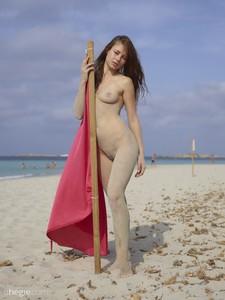 Jenna-Red-Flag-Ibiza--76sc6tgzci.jpg