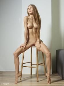 Jolie-Nude-Portraits--l6v0ir8xih.jpg