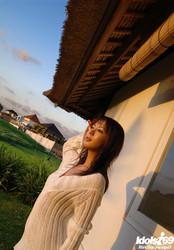 Honoka-Hot-Asian-Model-Enjoys-Outdoor-Modeling-Nude--e6s9i15w54.jpg