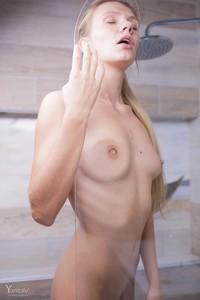 Lorena-Y-Becoming-Wet--o6s9mx2kbn.jpg