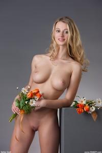 Carisha-My-Flower--n6so877hlo.jpg