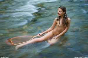 Lorena-G-Catch-Me-If-You-Can--p6std8cfjf.jpg