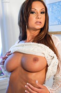 Amy-Reid-Its-All-About-Me--06taxs3jjx.jpg