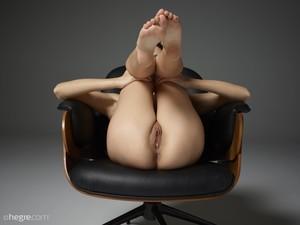 Grace-Sex-Chair--b6tc8x0xy0.jpg